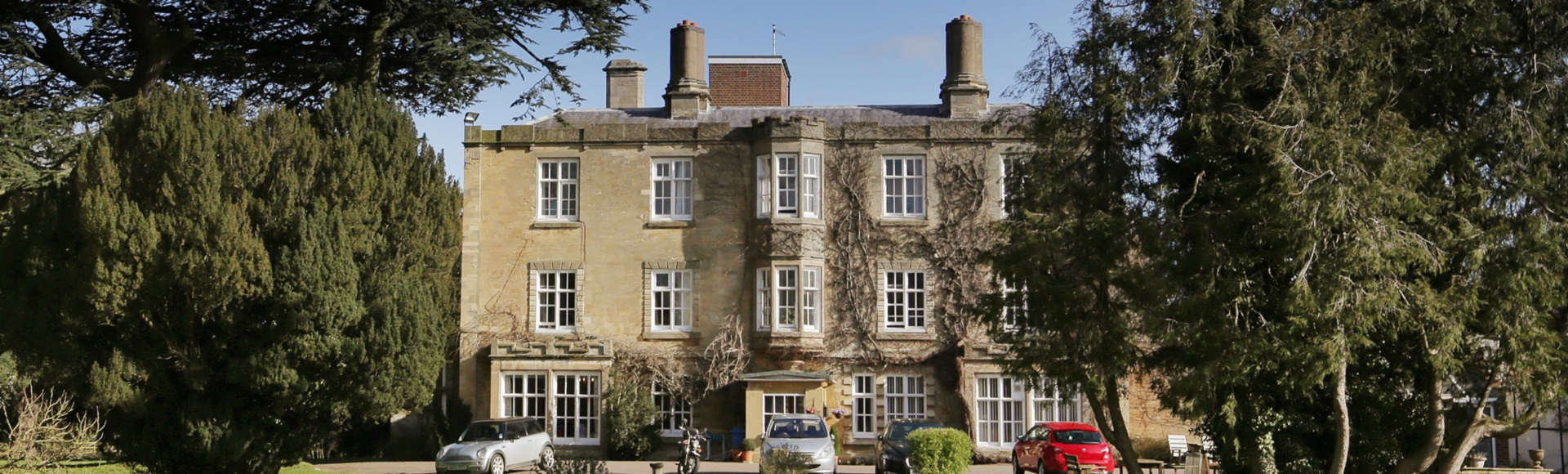 Tickford Abbey care home in Newport Pagnell
